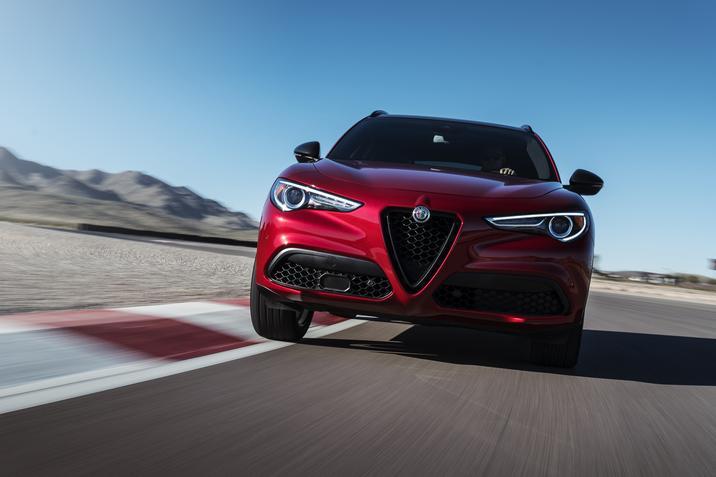 Alfa Romeo Stelvio Nero Edizione 4