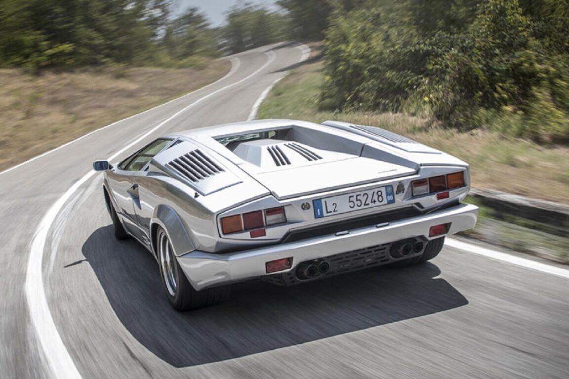 Lamborghini potrebbe rivelare qualcosa di epico questa settimana