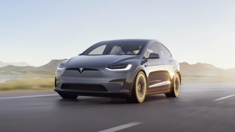 Tesla Model X 2021: ritardano di mesi le consegne ai clienti