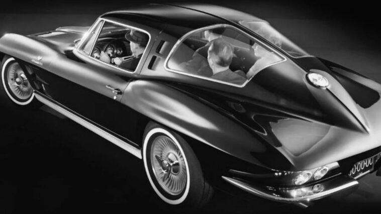 Chevrolet Corvette: GM mostra una versione a 4 posti del 1962 mai prodotta