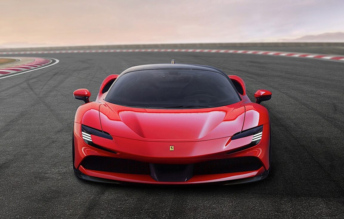 Ferrari SF90 Stradale: un nuovo test conferma uno scatto 0-100 km/h in appena 2 secondi