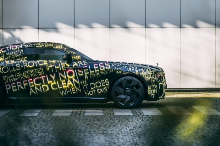Rolls-Royce-Spectre-la-prima-elettrica-arriverà-nel-2023-4-700x466