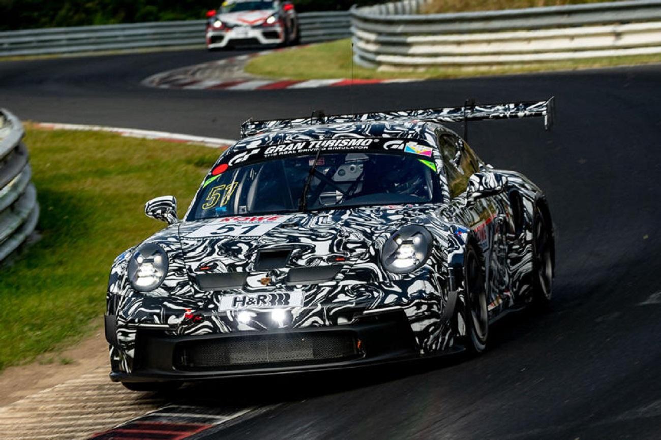 La nuova Porsche 911 GT3 Cup completa gli ultimi test al Nurburgring prima del debutto