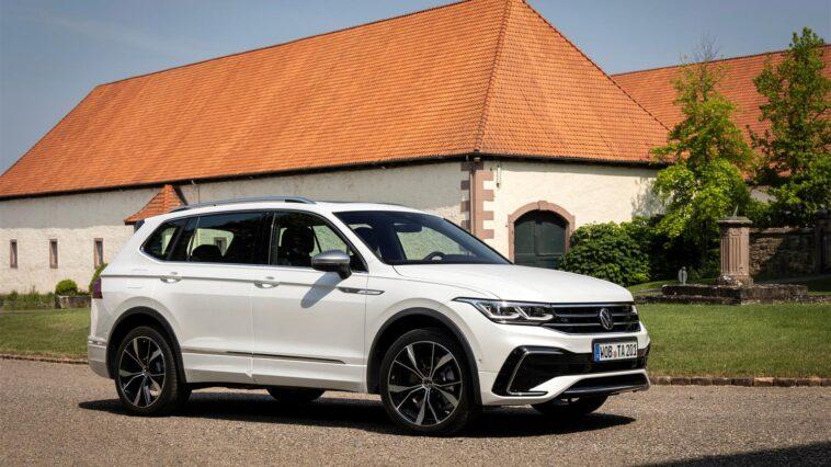 La tecnologia di bordo e l'assistenza alla guida della Volkswagen Tiguan Allspace 2021